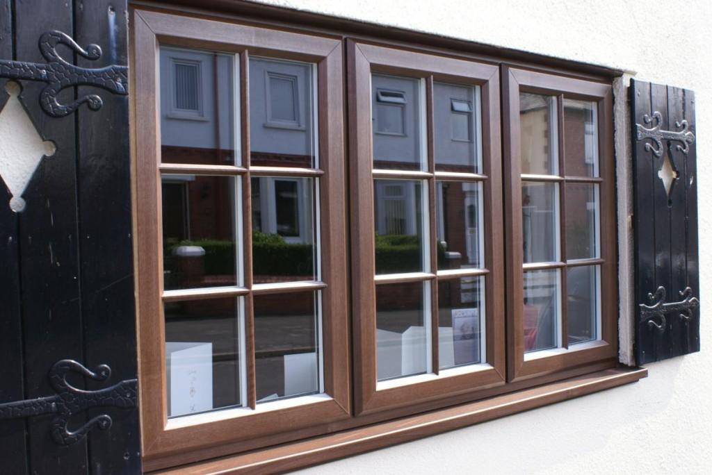 Деревянные ставни надежная защита вашего дома