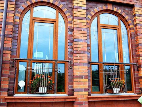 Формы деревянных окон для загородного дома